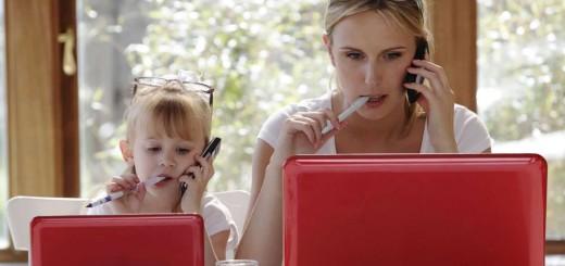 Jak pogodzić macierzyństwo z pracą w domu?