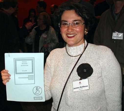 Joanna Hoffman/ ngn.com
