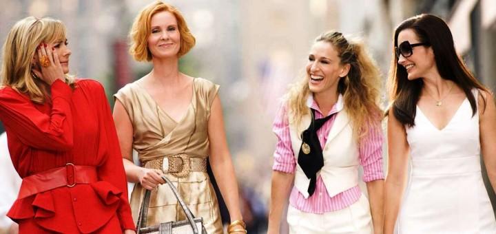 Moda na sukces – jak (nie) ubierać się do pracy latem