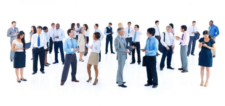 9 skutecznych zwrotów na rozpoczęcie rozmowy networkingowej